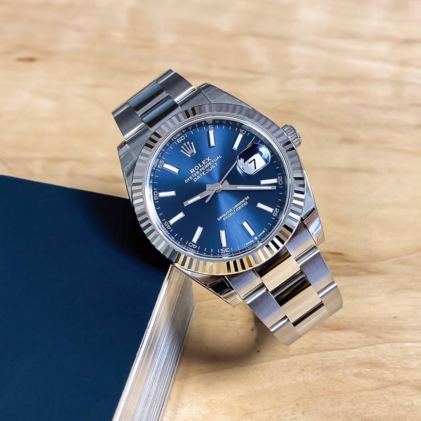 Montre homme de luxe Rolex Datejust 2 cadran bleu lunette cannelée - Corse, Paris