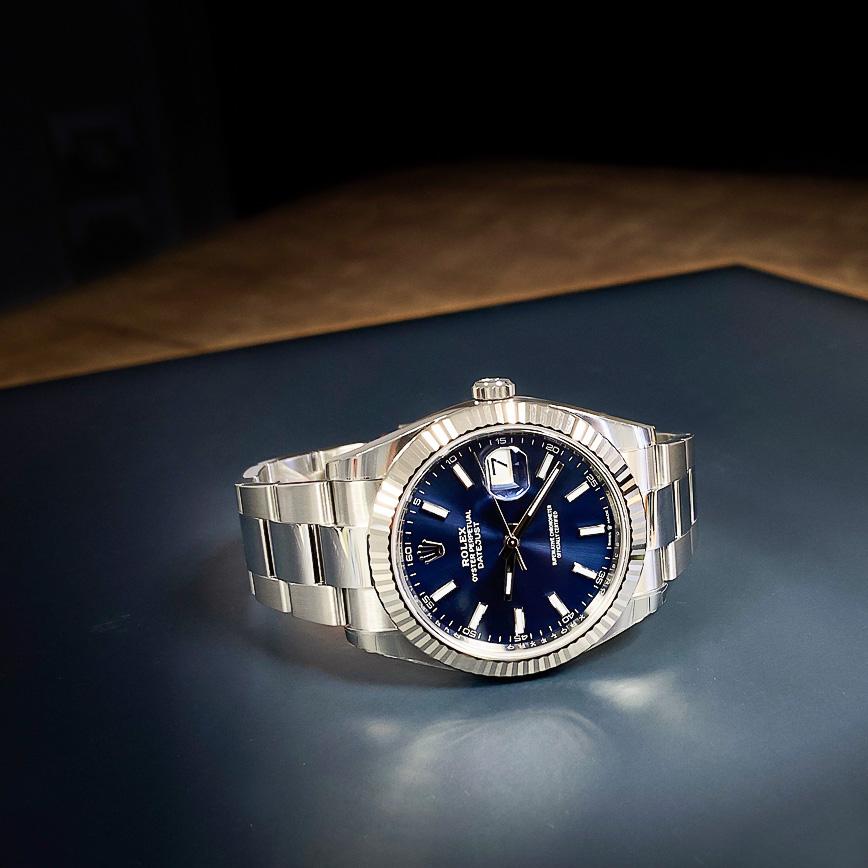 Rolex Datejust 2 cadran bleu lunette cannelée - Corse, Paris