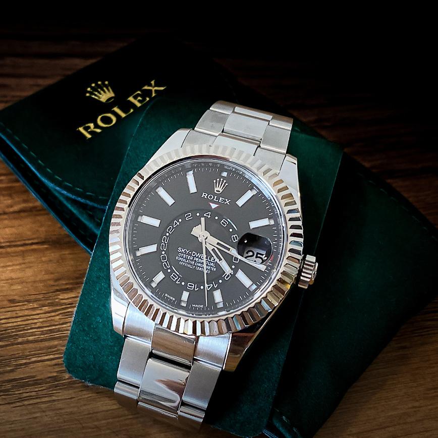 Montre homme de luxe Rolex Sky-Dweller cadran noir - Corse, Paris