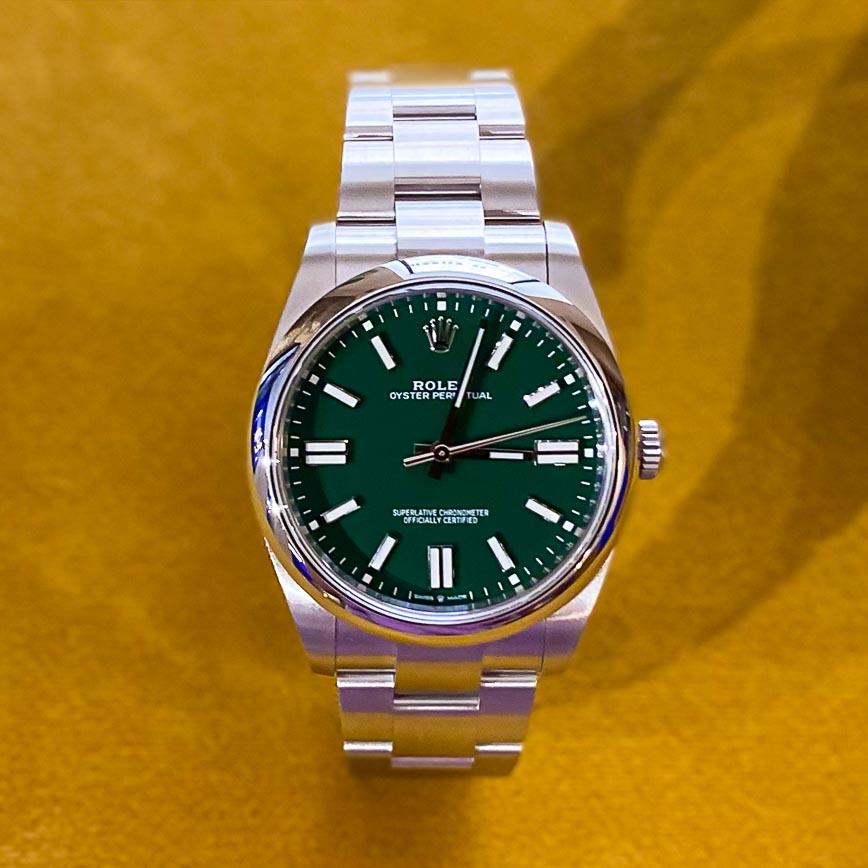 Rolex Oyster Perpetual 41mm cadran vert ref.124300 - Bastia Paris