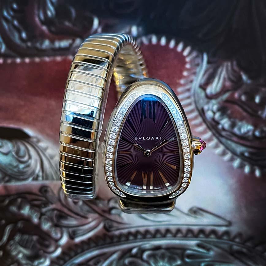 Montre femme Bulgari Serpenti Tubogas cadran violet et lunette sertie de diamants - Corse, Paris