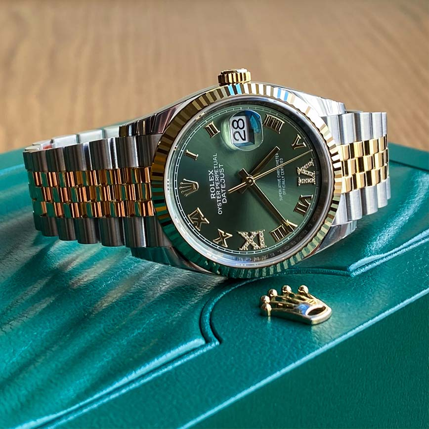 Montre Rolex Datejust 36 or jaune et acier cadran vert kaki ref.126233 - Corse, Paris