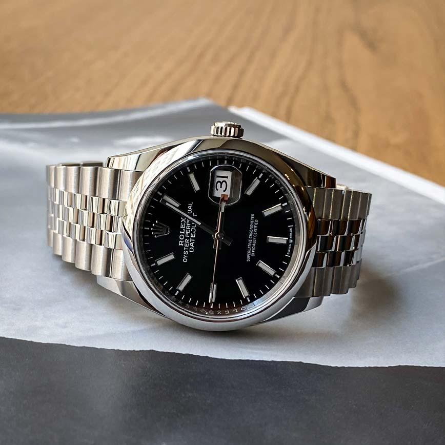 Montre homme Rolex Datejust cadran noir bracelet jubilé ref.126200 - Corse, Paris
